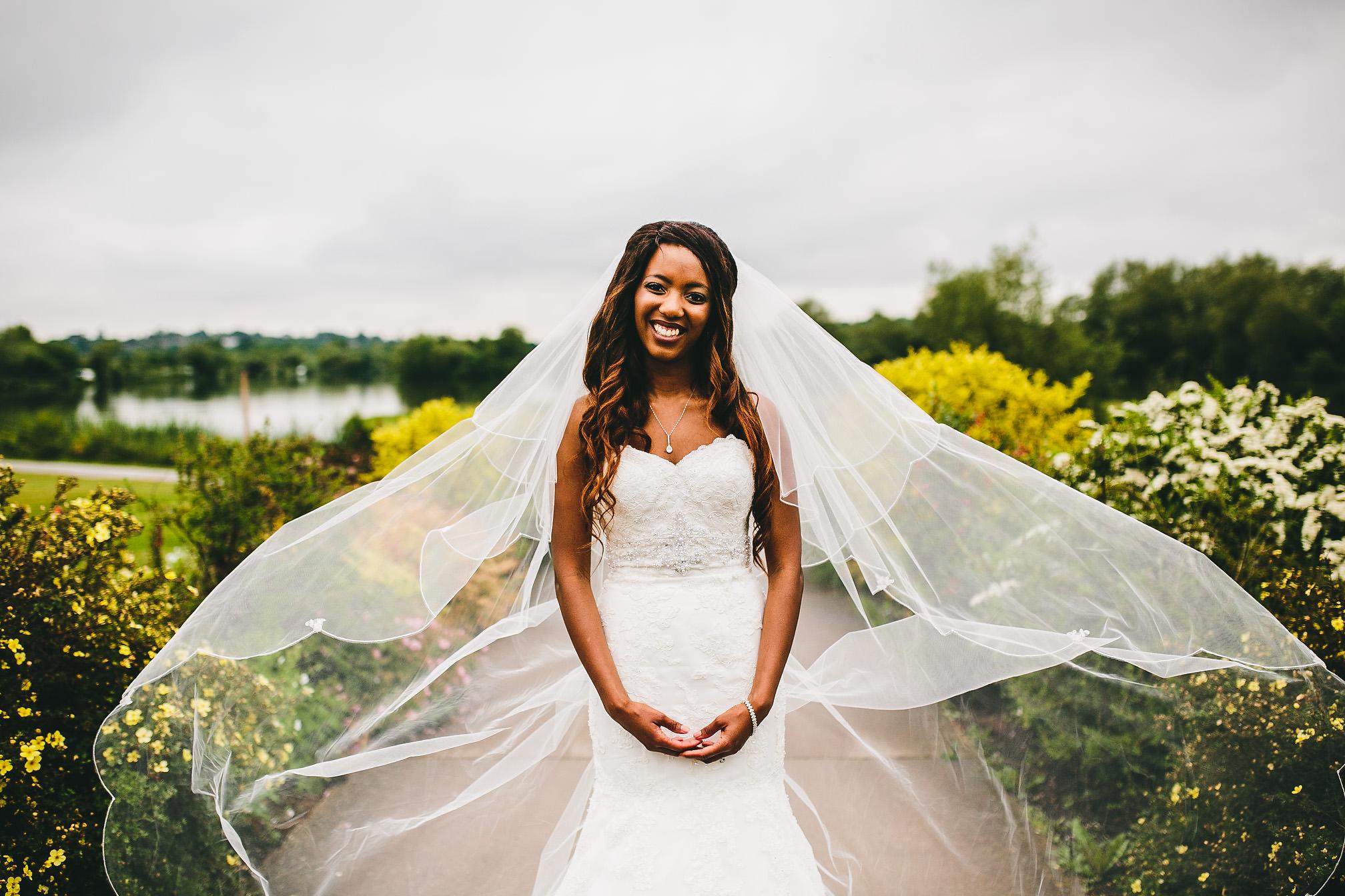 Brides epic veil