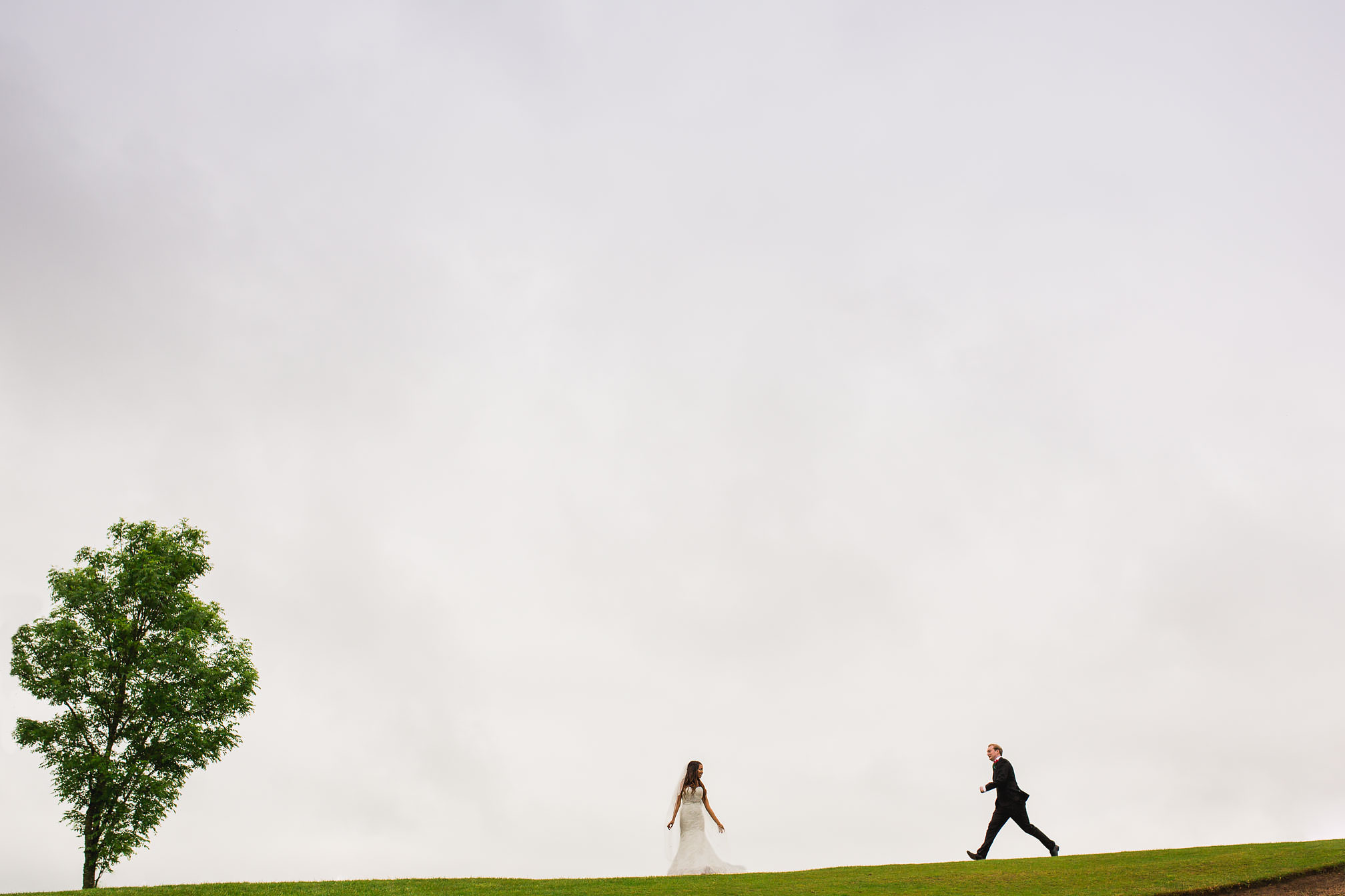 Wedding couple with loads of negative space