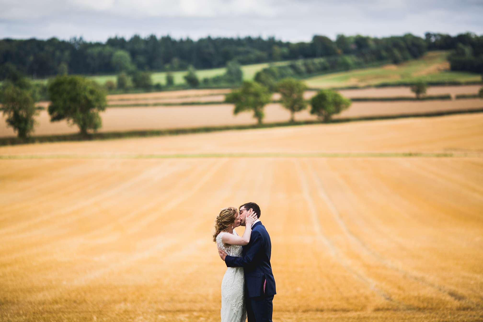 MyWed Editors Choice - Kissing in a Field