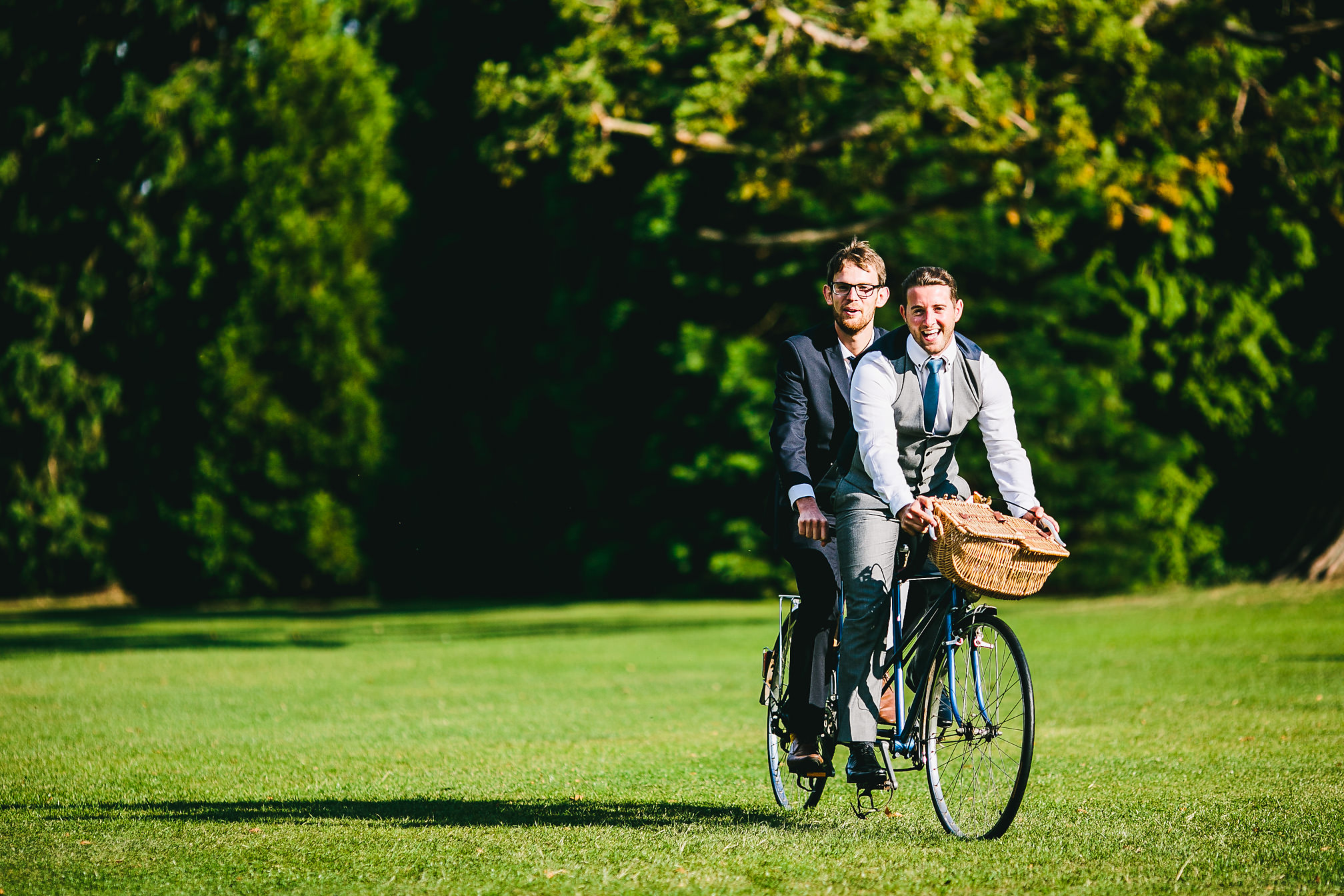 Wedding guests on a tandem