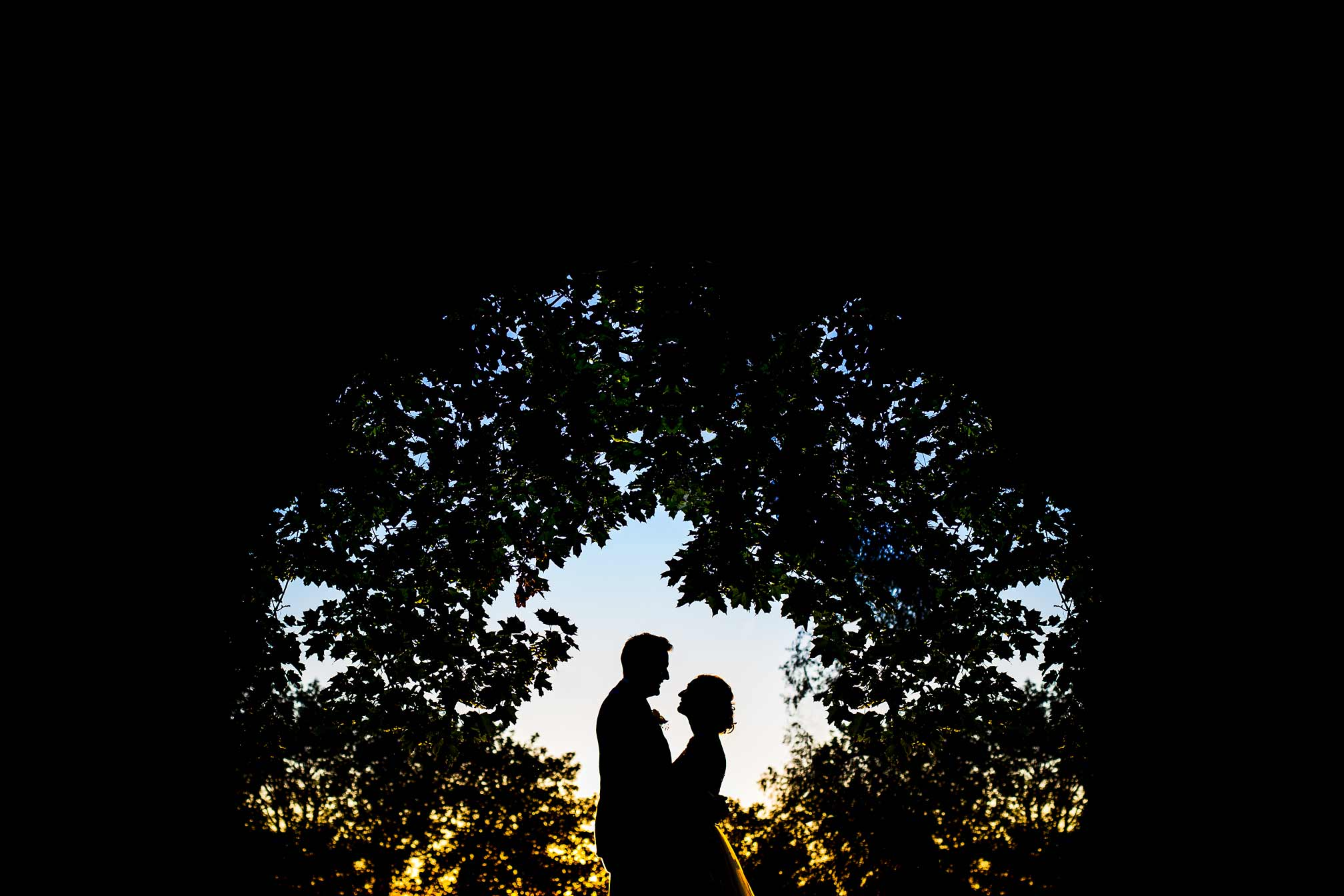 Queens Eyot evening wedding portrait