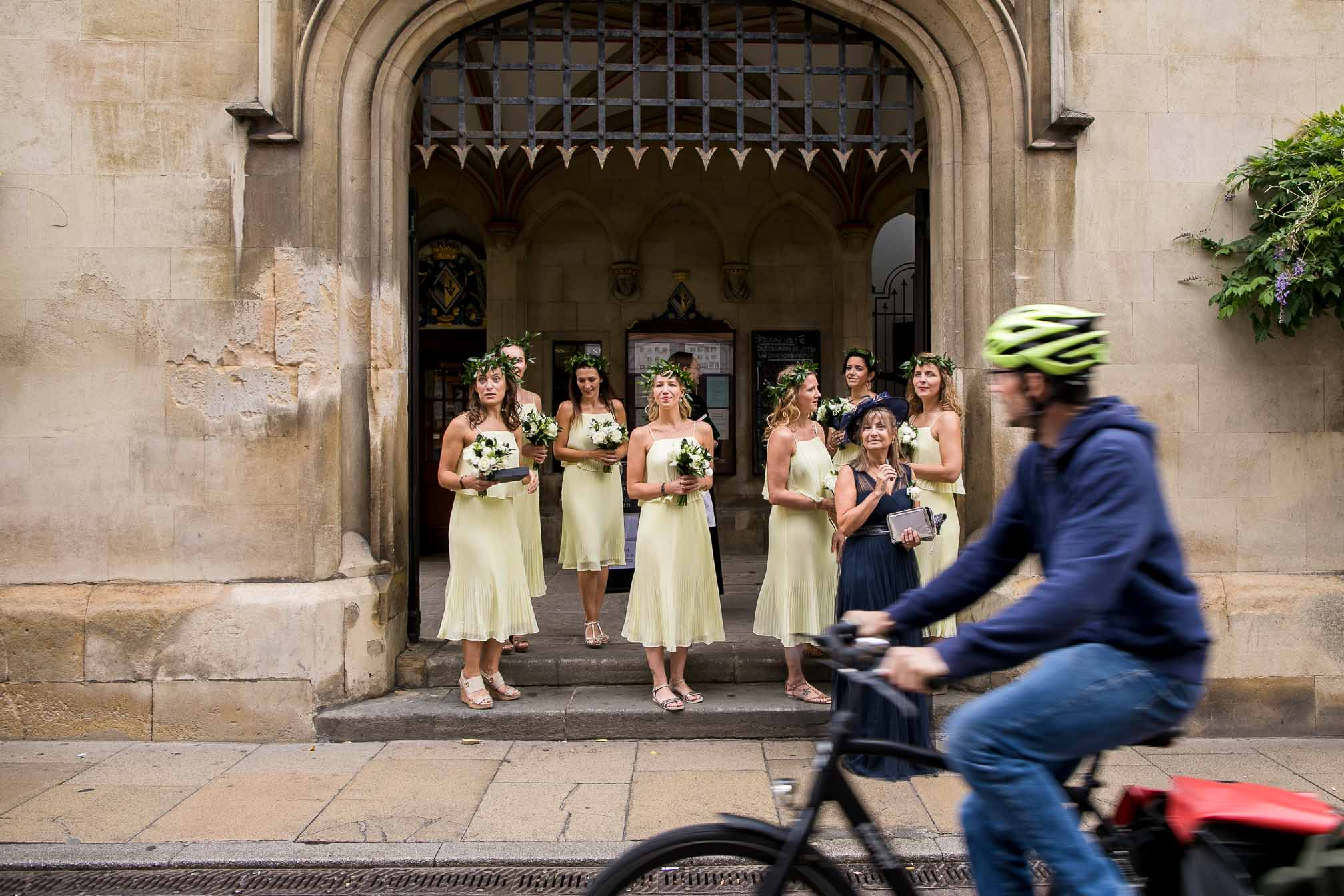 Sidney Sussex Cambridge, Bridesmaids waiting outside